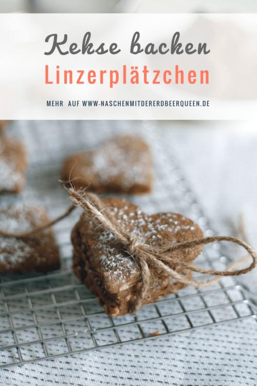 Linzerplätzchen backen. Kekse aus Linzertortenteig. Linzertorte als Keksvariante lecker auch als Weihnachtsplätzchen.