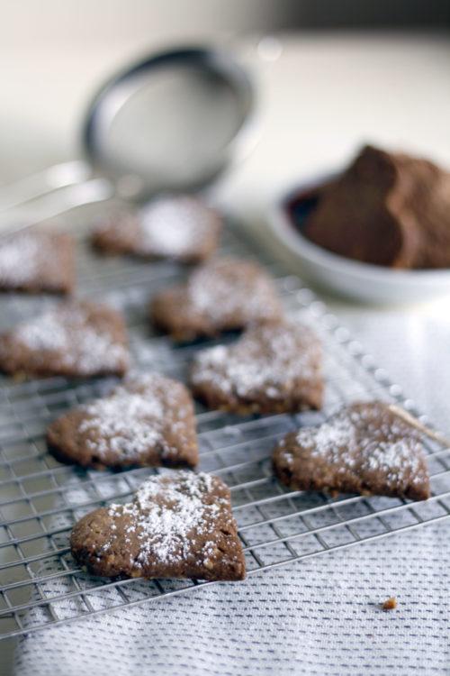 Linzretortenkekse backen. Rezept für einfache und leckere Linzerplätzchen. Weihnachtsplätzchen.Cookies