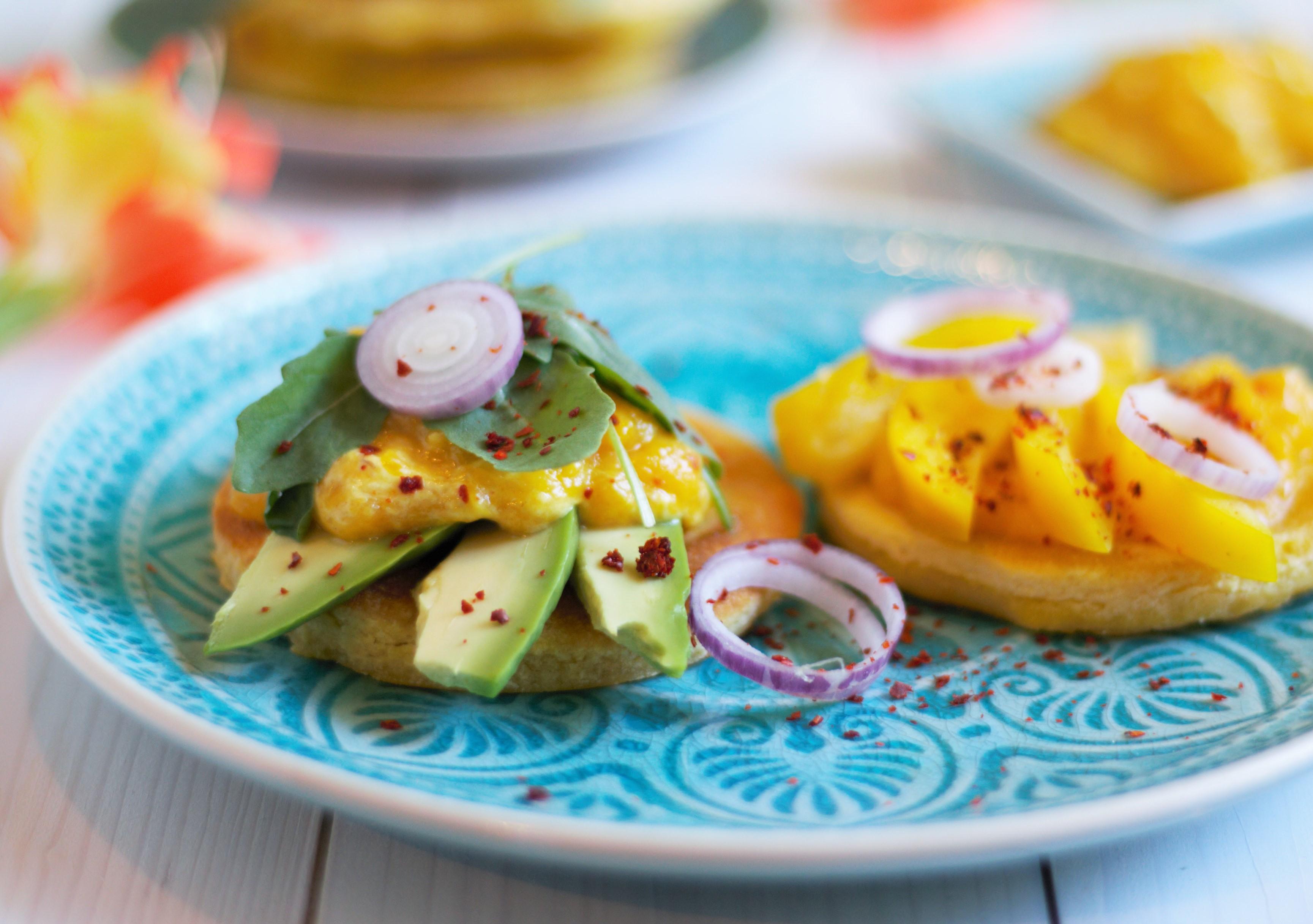 Arepas mit Avocado und Mangodip eine kulinarische Weltreise Naschen mit der Erdbeerqueen