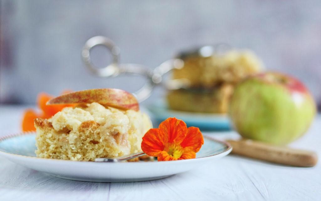 Apfelkuchen mit Streuseln mit Gravensteiner Äpfeln von Naschen mit der Erdbeerqueen