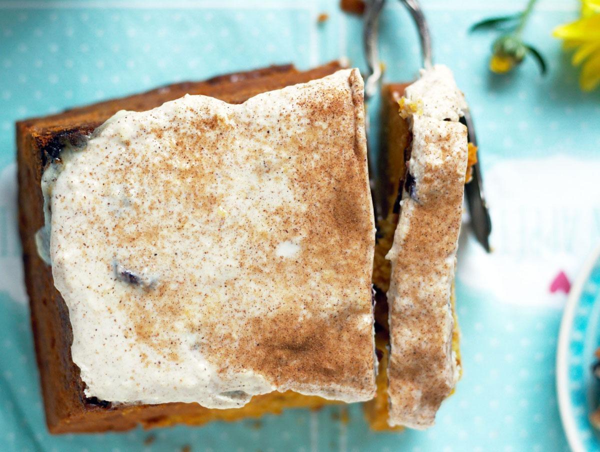 Kürbiskuchen mit Frischkäsetopping – Gastbeitrag