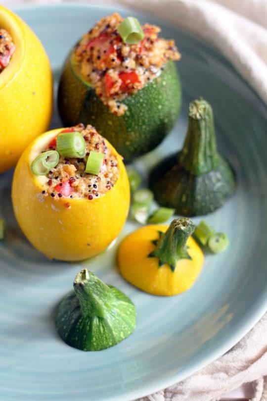 gefuellte-zuchini-mit-quinoa-und-frischkaese