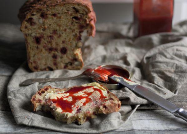 Schnelles Brot mit Dinkelmehl und Rote Beete