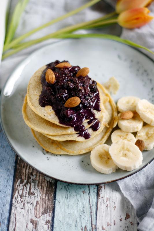 Rezept für Glutenfreie Pancakes mit Buchweizenmehl mit Mandel Blaubeeren