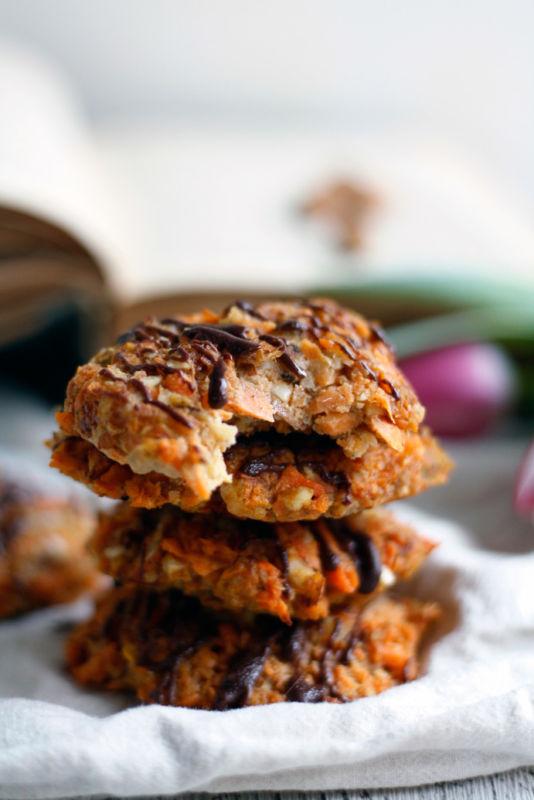 Süßkatoffel Kekse bzw. weiche Küchlein gesüßt mit Apfelmus und mit Zimt.