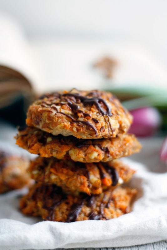 Rezept für schmackhafte Süßkartoffelkekse weich und fluffig mit Mandeln ohne Zucker und ohne Mehl.