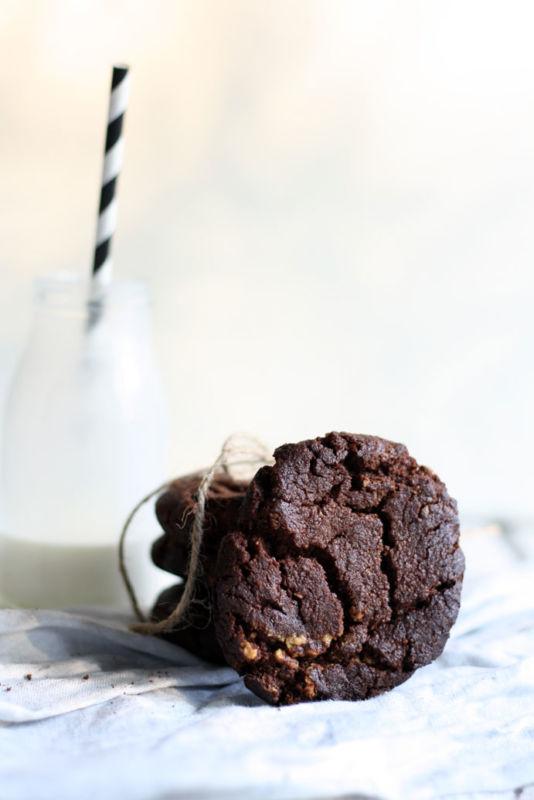 Schokokekse backen mit Kakao, Erdnussbutter und einem Hauch Salz