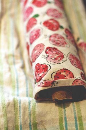 Biskuitrolle mit Erdbeeren #PaStell dich auf den Sommer ein