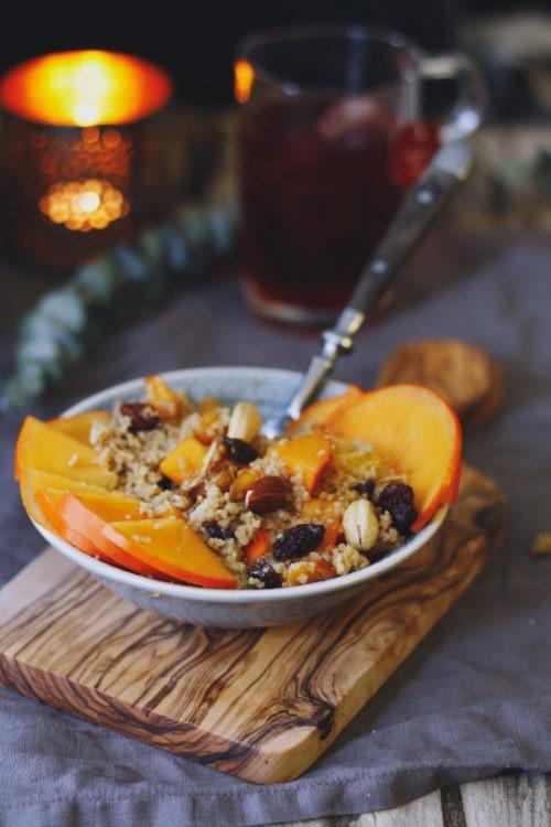 Cousocus zum Frühstück mit Orange und Kaki