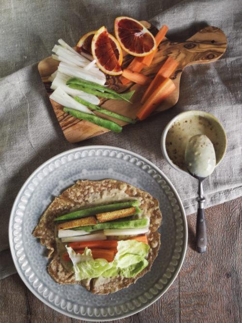 Rezept selbst gemachte vegetarisch Wraps. Mit Gemüse gefüllte Wraps.