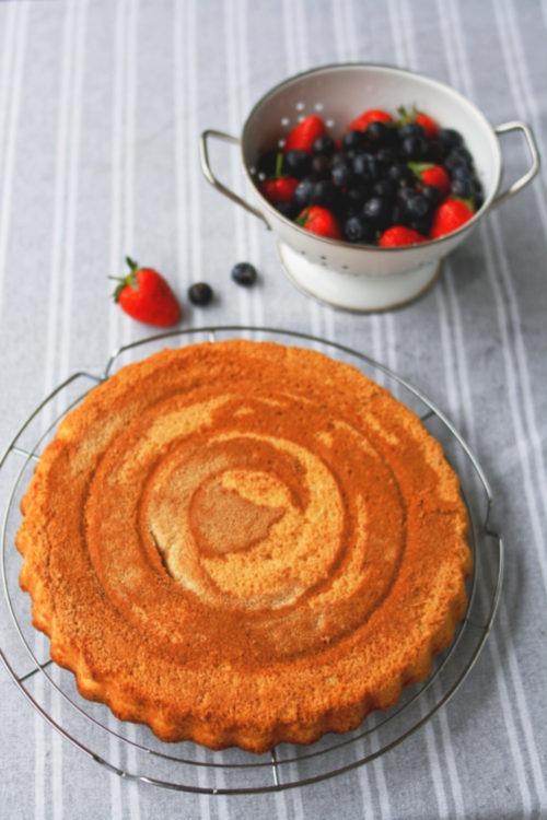 Rezept Biskuitboden für Ostbkuchen. Obstboden Biskuit backe. Einfacher Biskuitboden mit Pudding