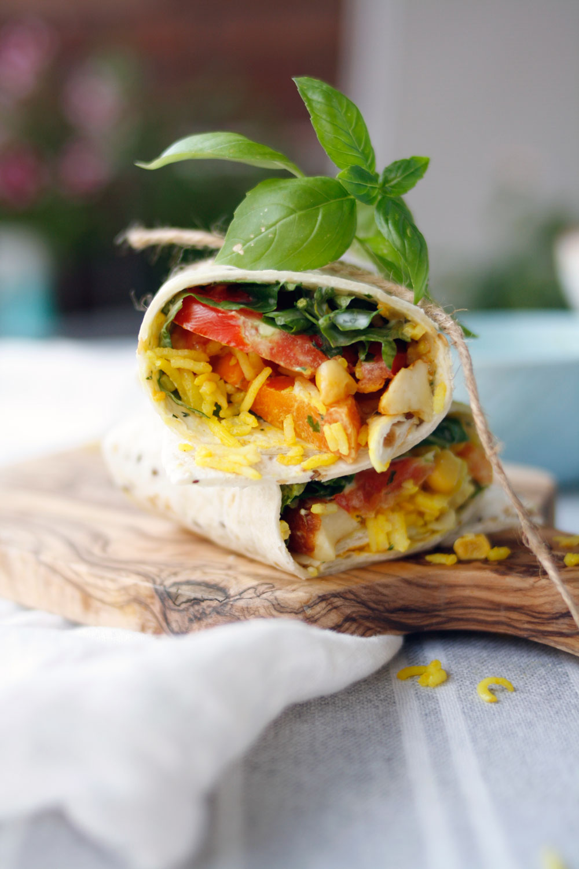 Vegetarisch gefüllte Wraps mit Gemüse. Gemüsewraps einfaches Rezept mit Reis und Gemüse.