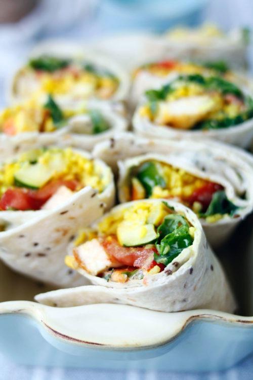 Einfaches gesundes Rezept:  Vegetarisch gefüllte Wraps mit Gemüse. Gemüsewraps einfaches Rezept mit Reis und Gemüse. #wraps #gemüsegerichte #mittagessen