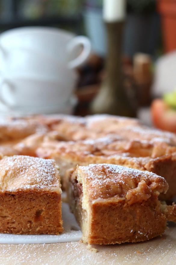 Gedeckter Apfelkuchen. Rezept gedeckter Apfelkuchen mit Mürbteig. Rezept mit Apfel jetzt backen.