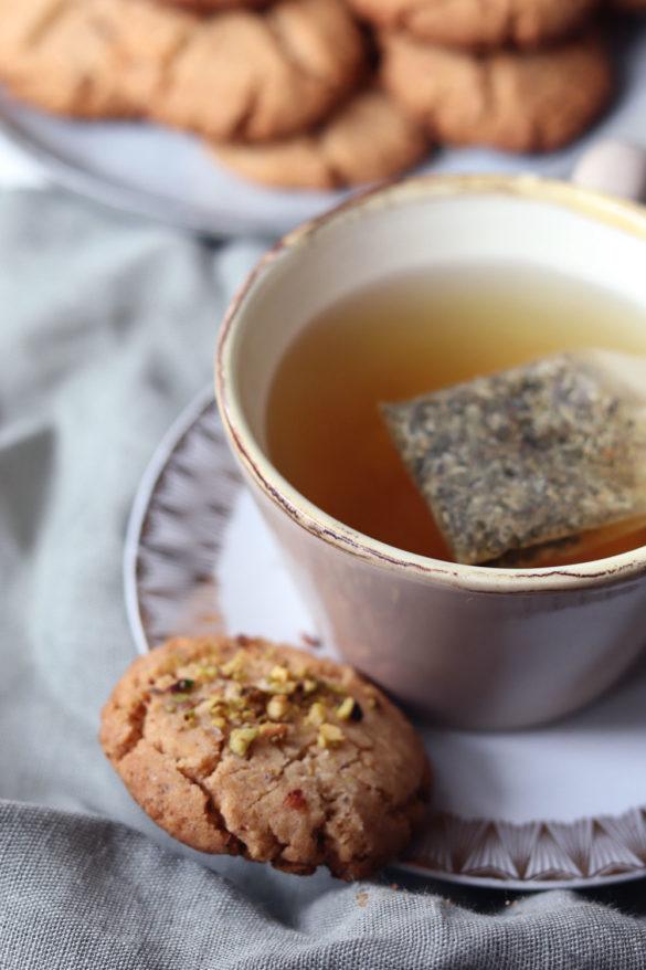 Keksrezept einfach: Erdnusskekse backen. Rezept Erdnusskekse. Besondere Kekse zu Weihnachten backen. Weihnachtsplätzchen. Kekse backen mit Erdnuss.