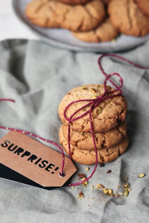 Erdnusscookies. Erdnusskekse backen. Rezept Erdnusskekse. Besondere Kekse zu Weihnachten backen. Weihnachtsplätzchen. Kekse backen mit Erdnuss.