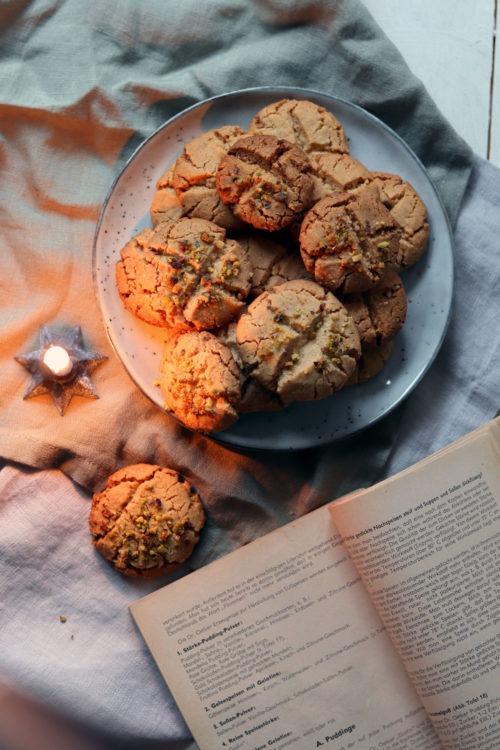 KeksrezepteErdnusskekse backen. Rezept Erdnusskekse. Besondere Kekse zu Weihnachten backen. Weihnachtsplätzchen. Kekse backen mit Erdnuss.