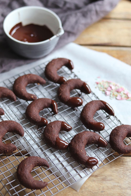 Rezept Weihnachtsplätzchen mit Schokolade Schokokipferl Rezept