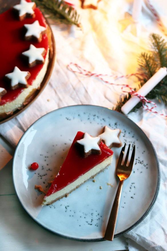 Cheesecake mit Keksboden. Einfaches Cheesecake Rezept. Backe meinen Cheesecake mit Frischkäse und Fruchtspiegel nach. Ideal als Weihnachtskuchen.