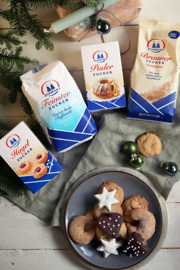 Werbung Geschenke aus der Küche. Gefüllte Lebkuchen mit Marmelade und Marzipan. Lebkuchenherzen selber machen. Rezept für Lebkuchen für Weihnachten. Schokoladenlebkuchen und Zuckerperlen selber machen. Plätzchenrezept. Diamant Zucker