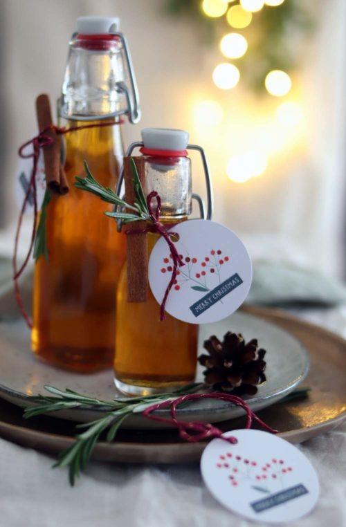 Selbst gemachter Zimtsirup Zimtkaramellsirup Geschenke aus der Küche Weihnachtsgeschenk aus der Küche #sirup #zimt #zimtsirup