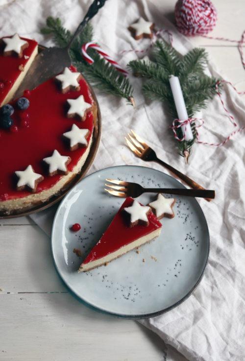 Kuchenrezept für Weihnachten: Einfaches Cheesecake Rezept. Backe meinen Cheesecake mit Frischkäse und Fruchtspiegel nach. Ideal als Weihnachtskuchen. Rezept jetzt anschauen.