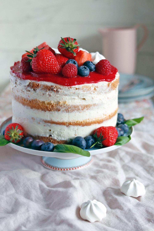 Rezept Erdbeertorte mit Mascarpone. Naked cake Rezept