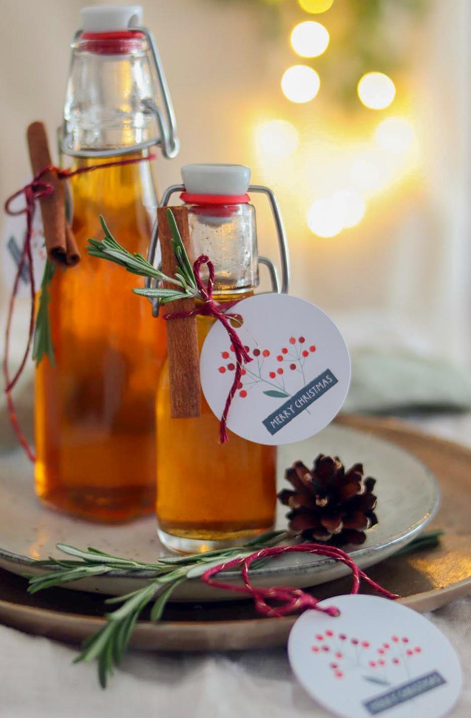 Sirup selber machen: Geschenk aus der Küche selbstgemachter Zimtsirup. Der perfekte Sirup für Weihnachten als Geschenk.