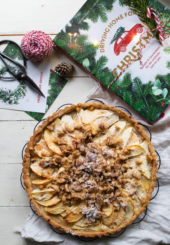 Rezept Apfeltarte mit Walnüssen. Leckerer saftiger Apfelkuchen mit Zimt und Walnüssen. #apfelkuchen #apfeltarte